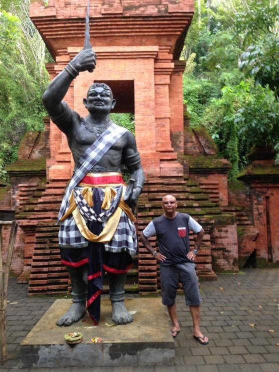 scale statue
